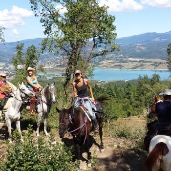 """Agriturismo """"Horse Trekking"""" Piccola Raieda"""